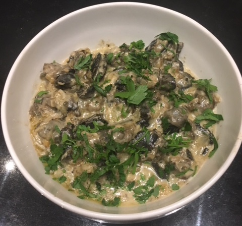 SNAILS WITH BLUE CHEESE
